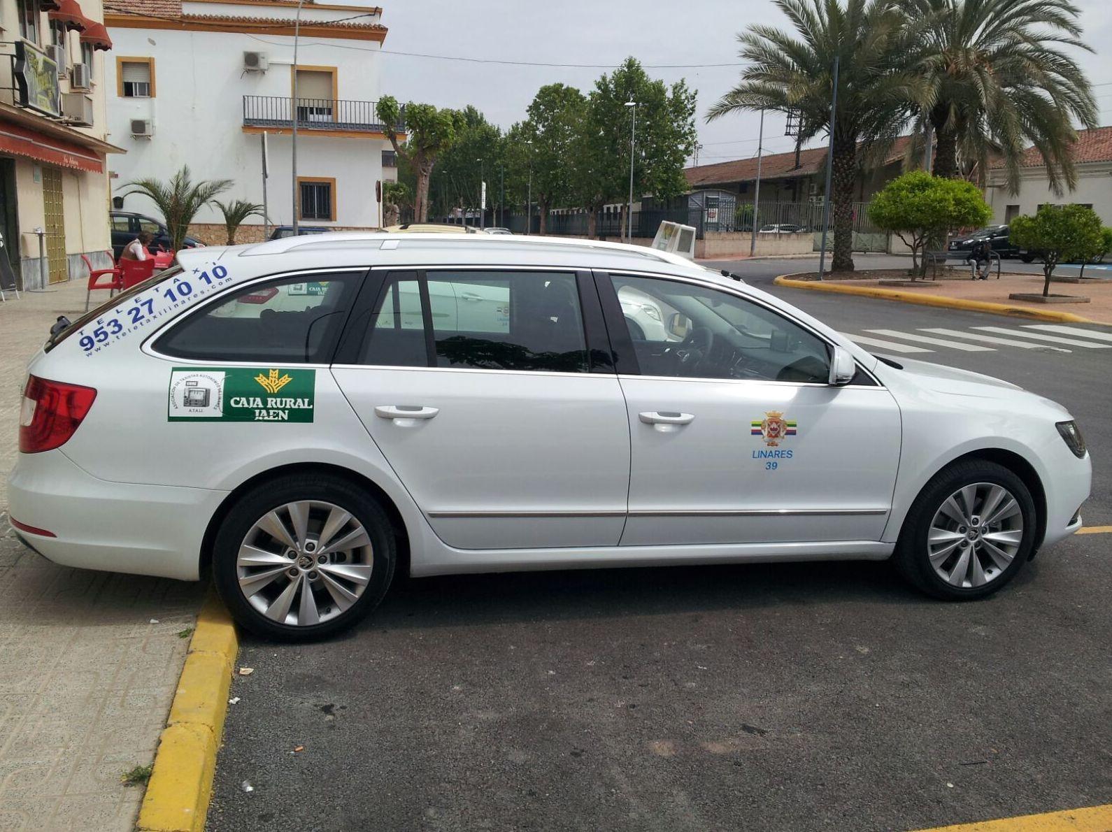 Taxi con gran capacidad de carga en Linares