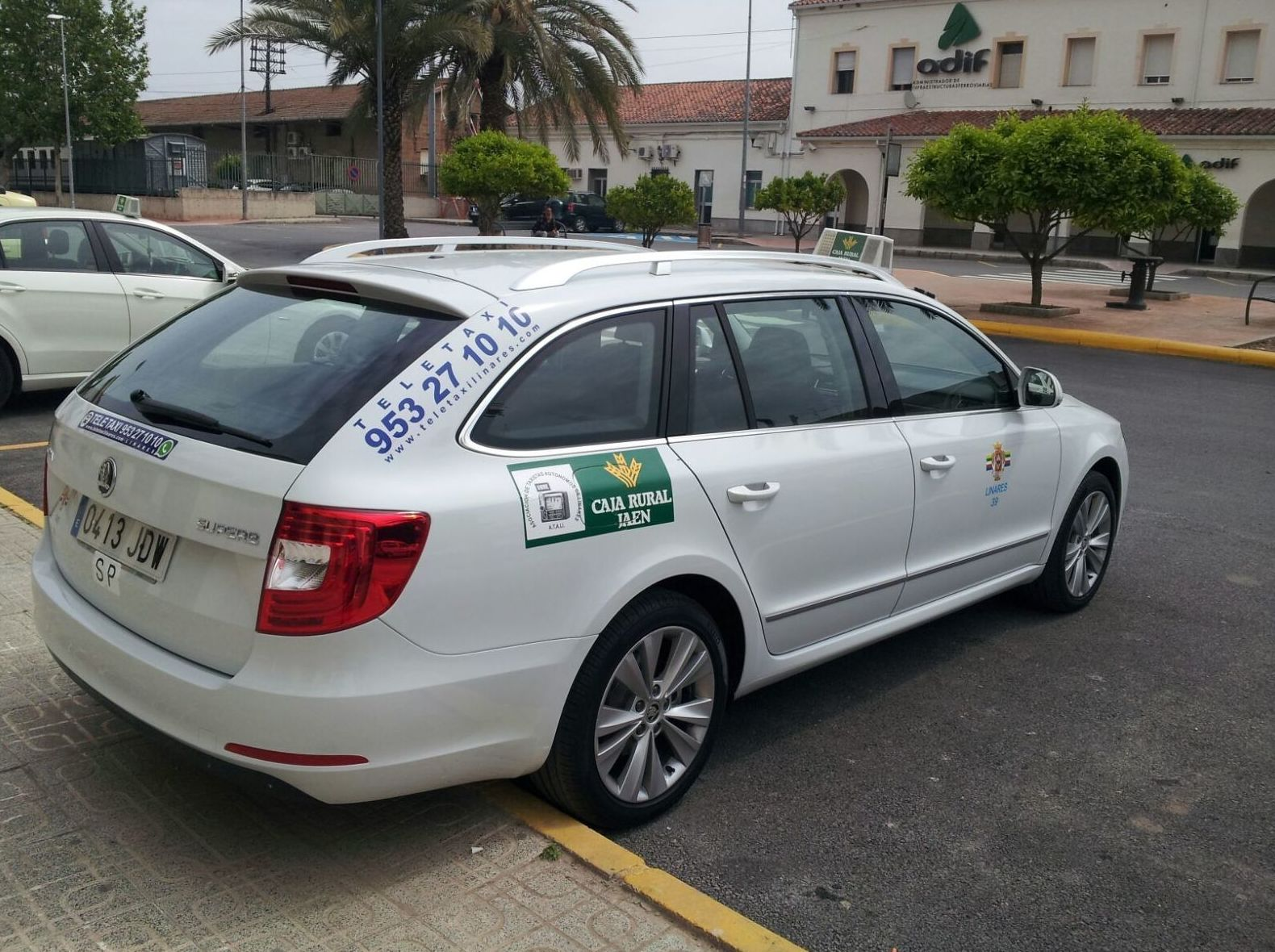 Taxi en Linares con traslados a estaciones de tren y aeropuertos: Servicios de Taxi Camacho Linares