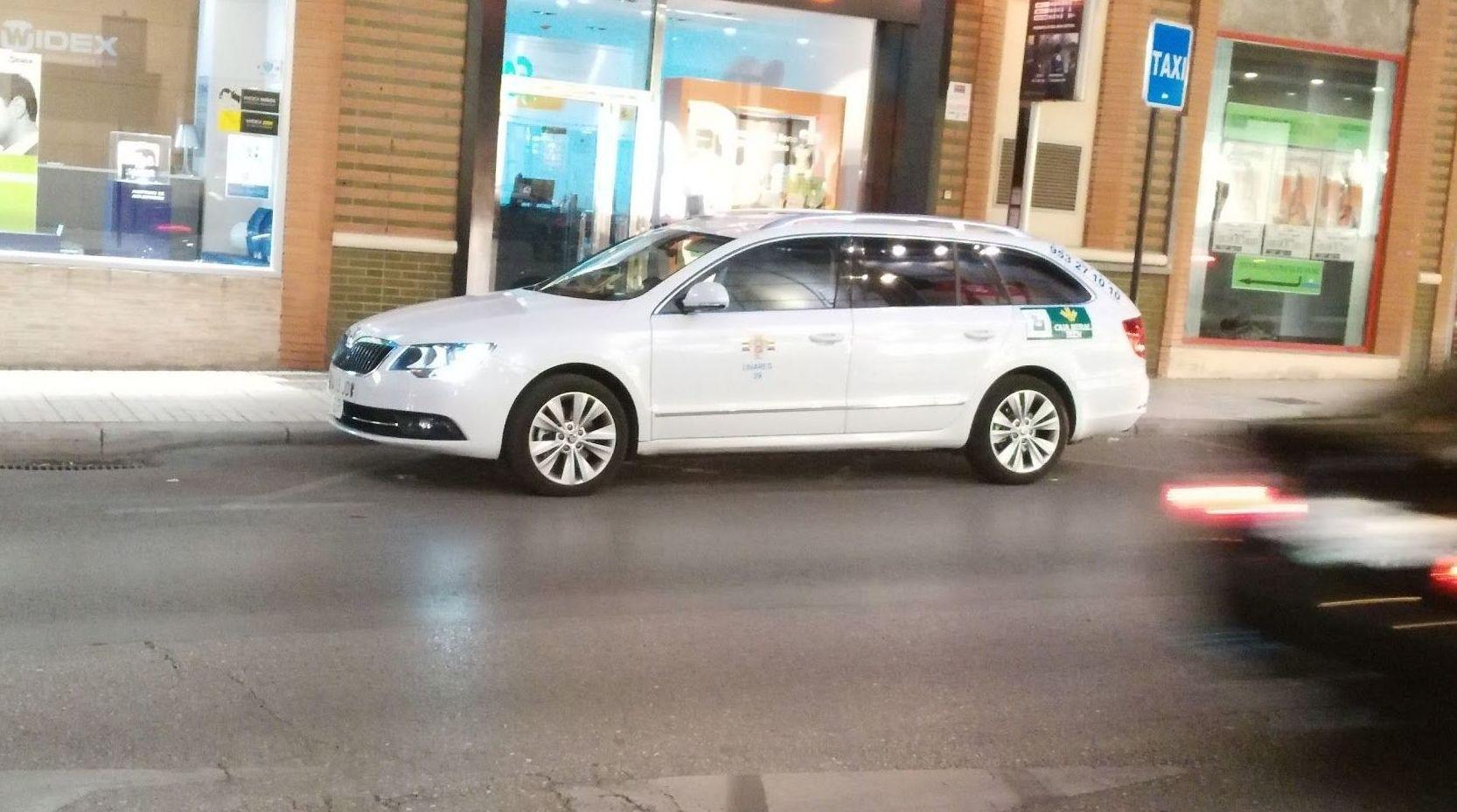 Traslados nacionales e internacionales: Servicios de Taxi Camacho Linares