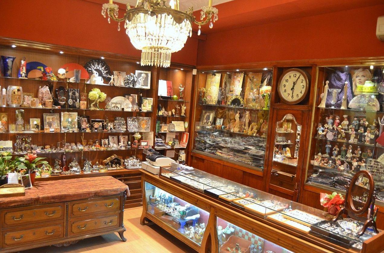 Bellostas, bisutería y artículos para regalo en el centro de Zaragoza