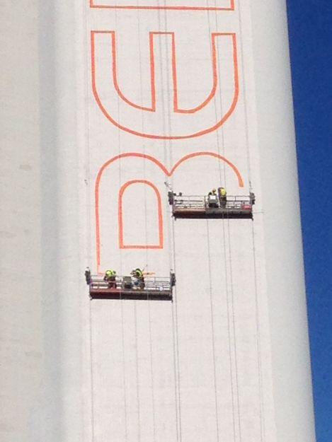 Replanteo vertical. Precisión y serigrafía, estudio topográfico en Sevilla