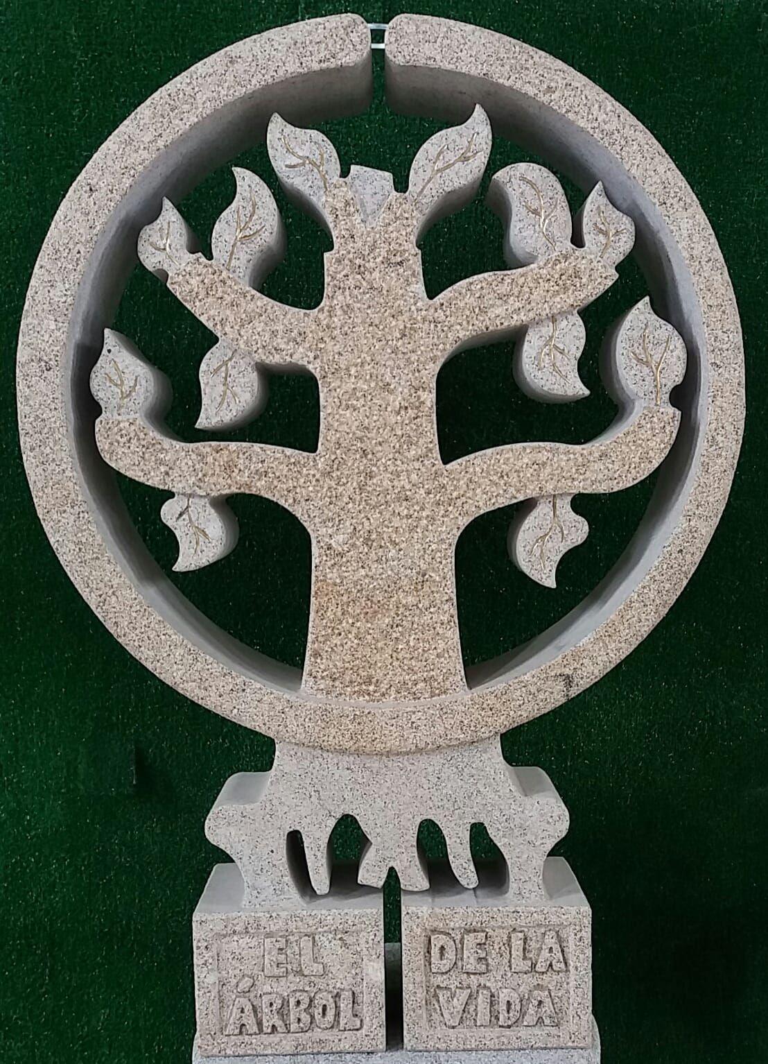 Árbol de la vida en granito