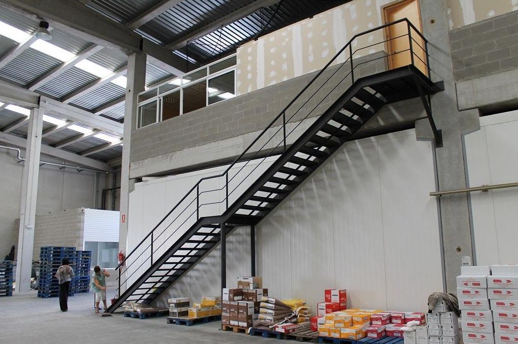 Escaleras de hierro nuestros productos de met licas copado for Escaleras metalicas