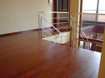 Instalación de tarima de madera