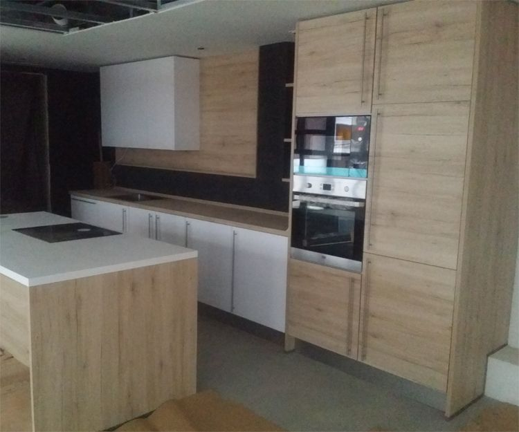 Distribución y montaje de muebles de cocina a medida en Madrid