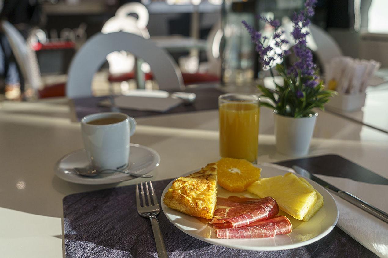 Foto 2 de Restaurantes en Rivas Vaciamadrid | Restaurante Somallao Sercotel Rivas