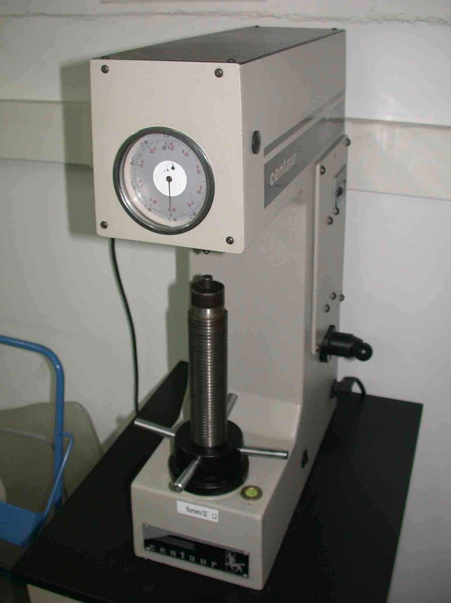 Máquina del laboratorio de control de calidad