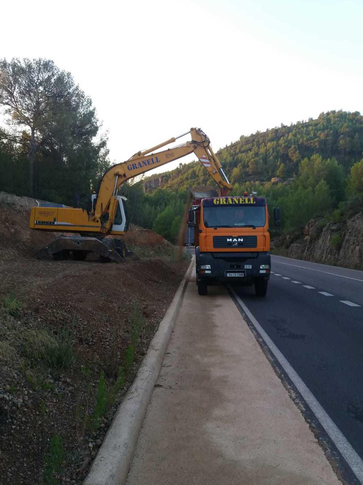 Construcción y mantenimiento de caminos, pistas forestales y carreteras: Servicios de Excavaciones José Granell
