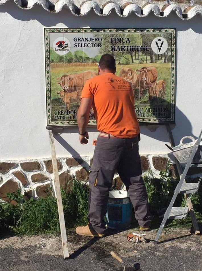 Construcción de comedero para ganado en Luciana, Castilla La Mancha