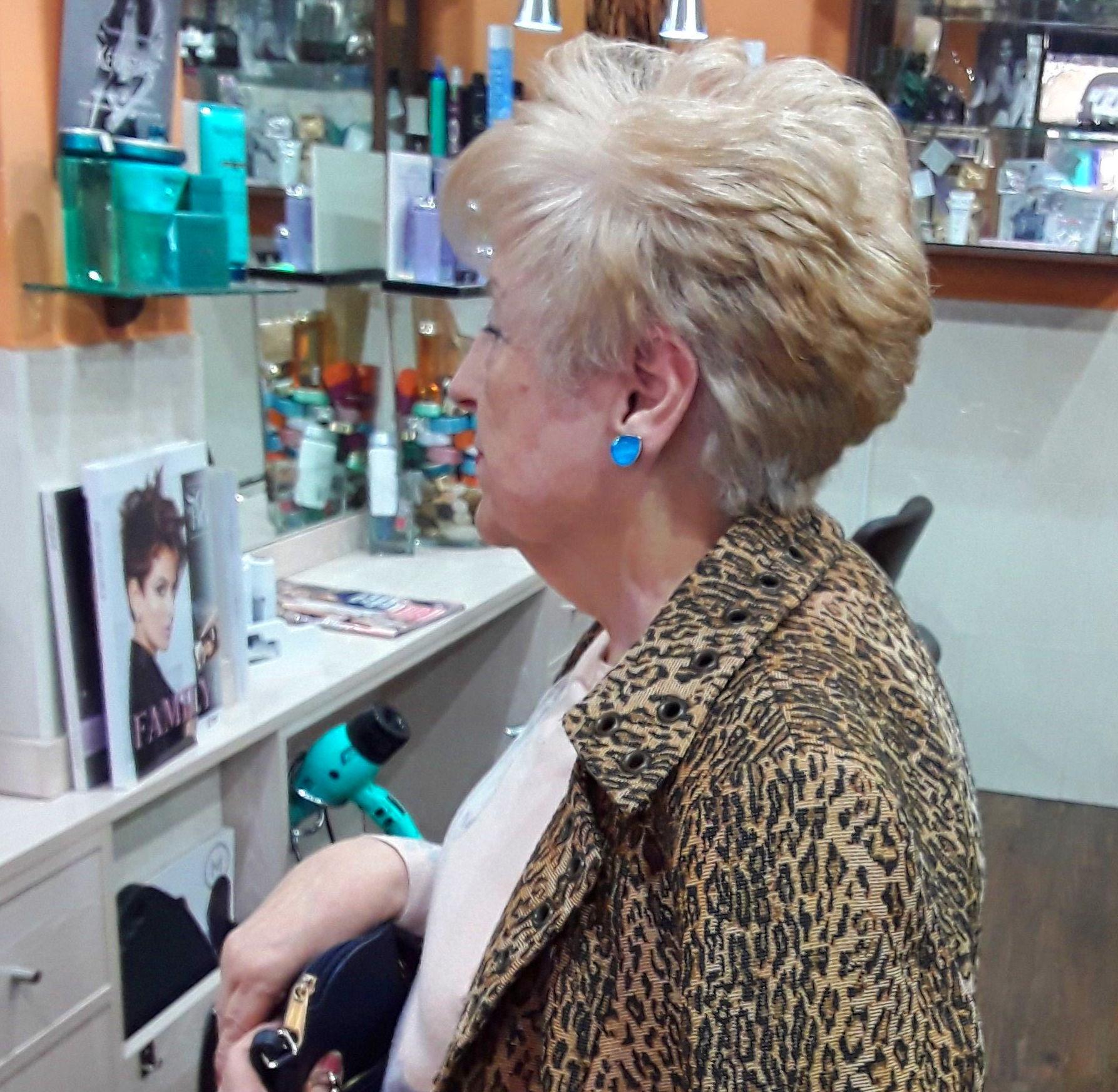 Peinados clásicos y naturales...