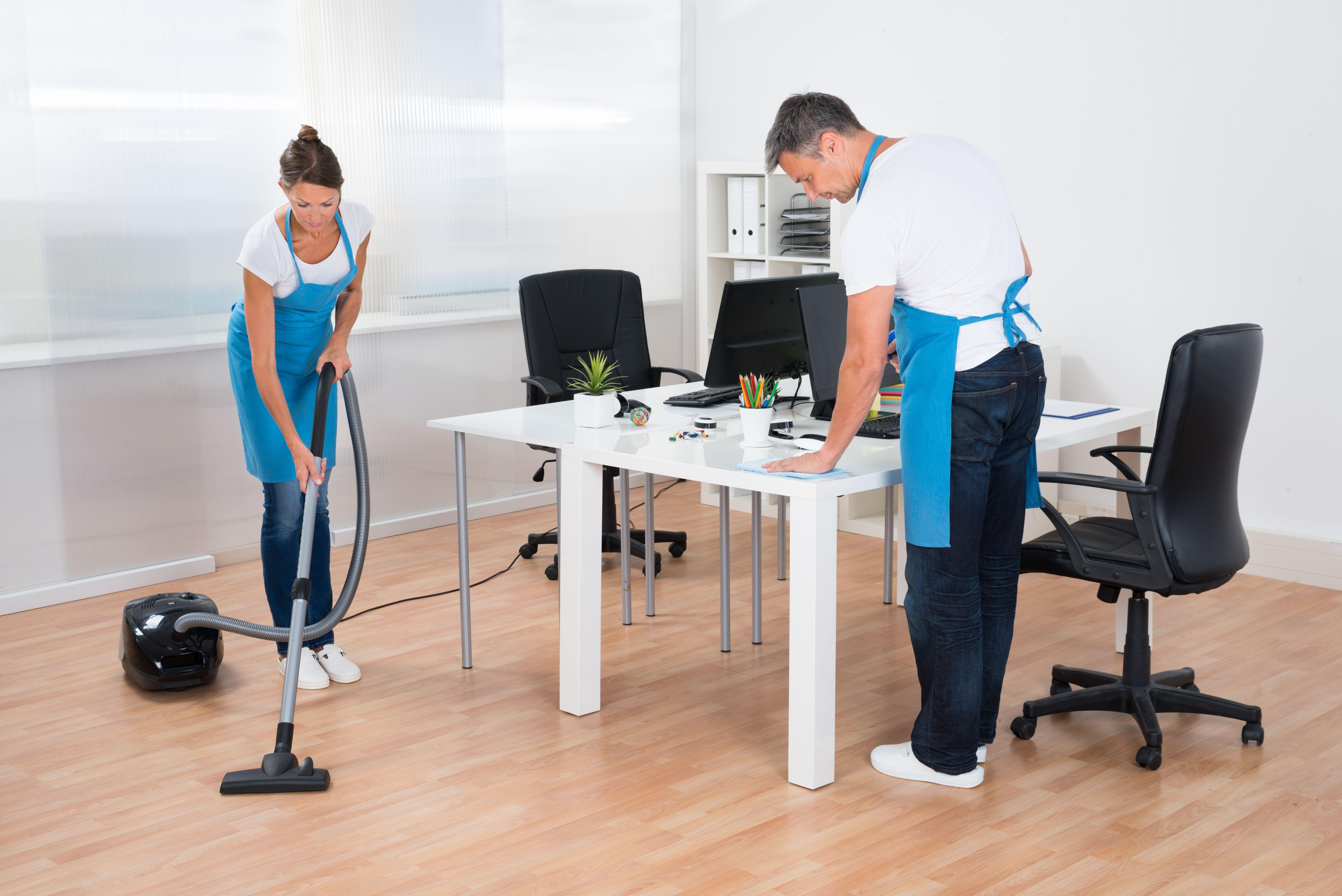 Limpieza de centro de negocio: Servicios de limpieza de H. M. Assignment Services