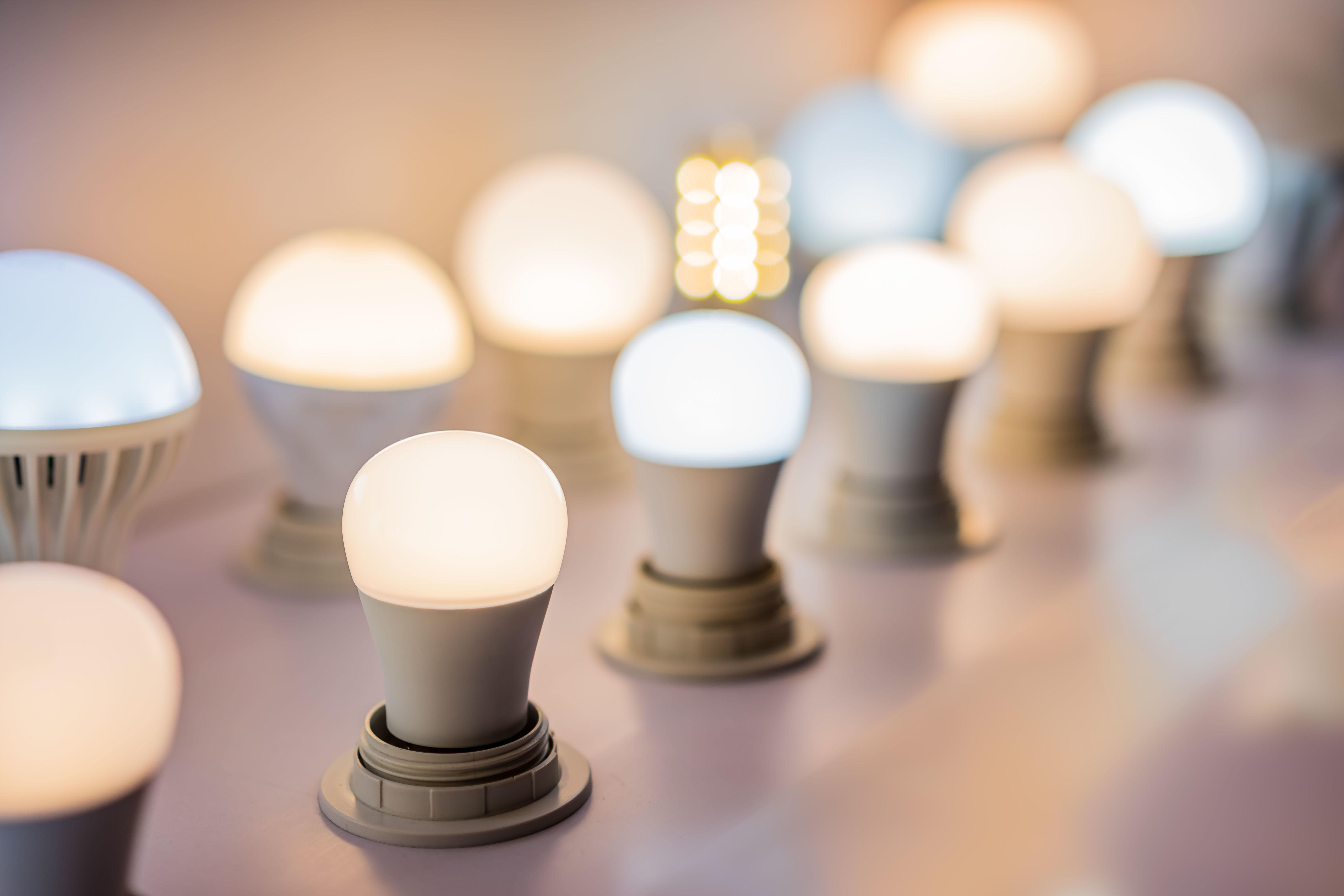 Venta de bombillas de LED: Servicios de Instalaciones RR