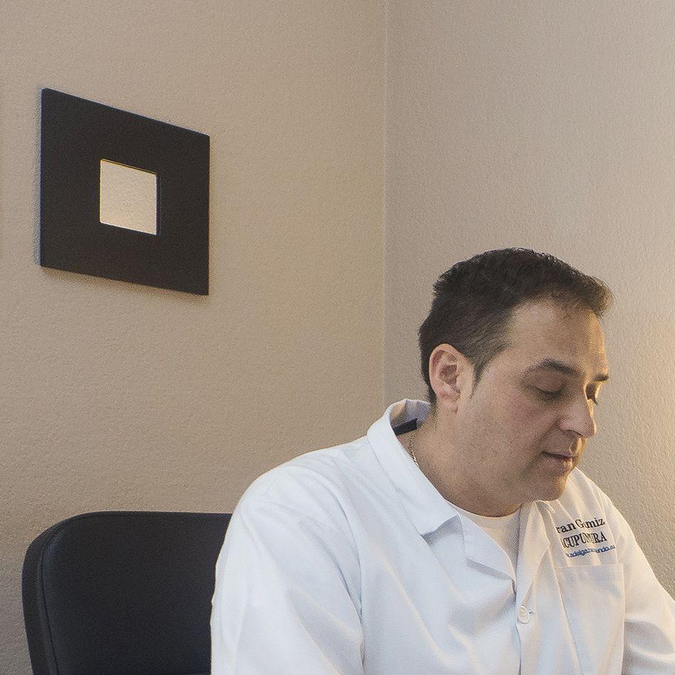 Fran Gamiz, te ayuda  a reeducar la alimentación y adelgazar con una dieta sana y auriculoterapia