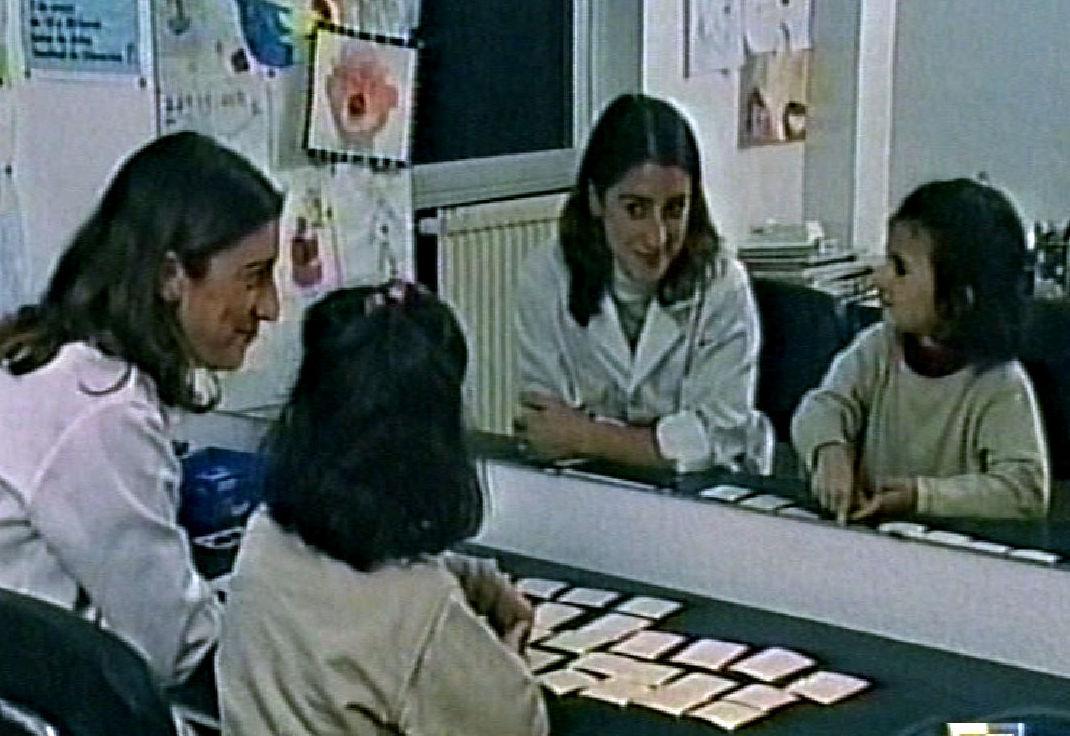 Profesora y alumna en un tratamiento