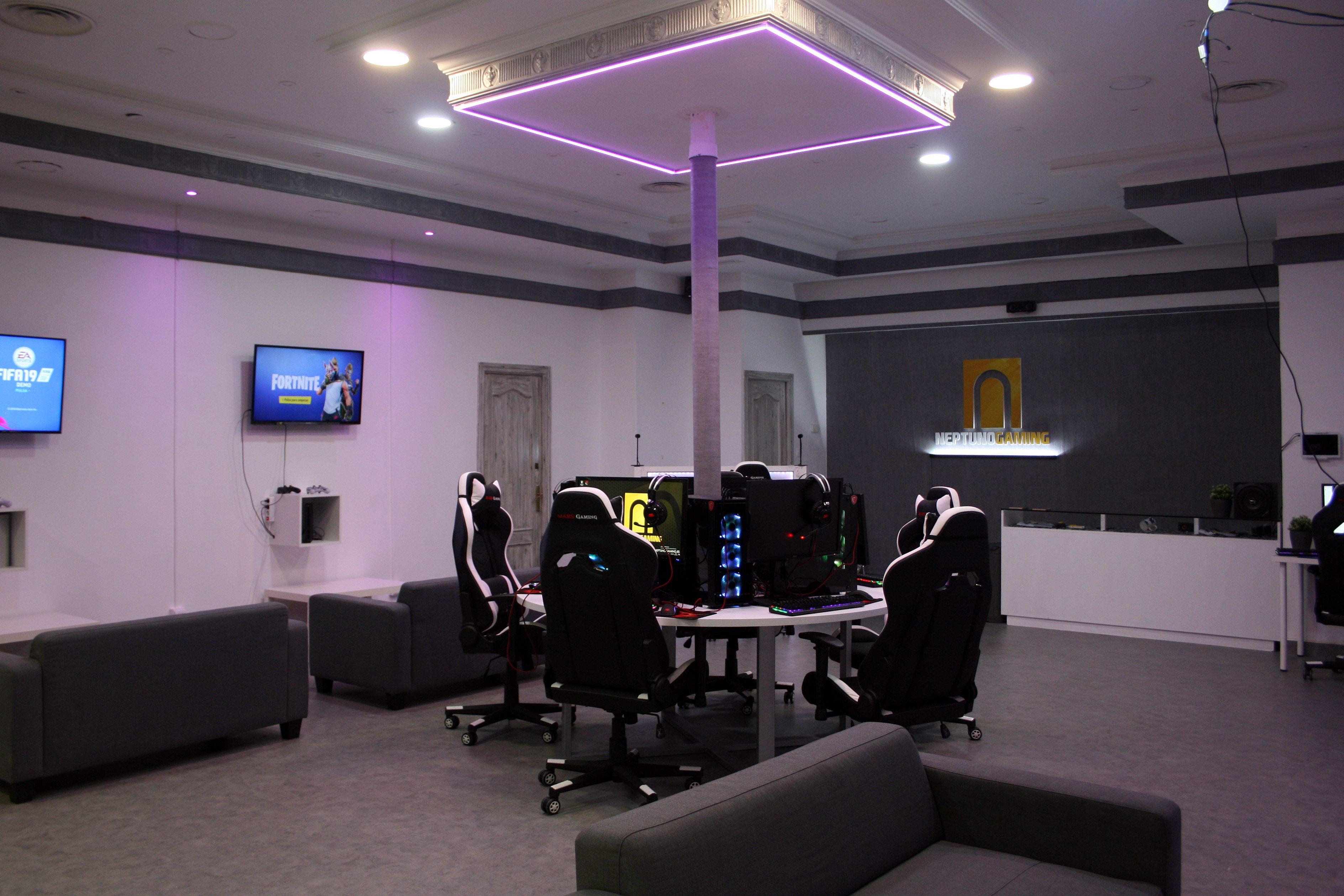 Foto 3 de Centro gaming en Granada | Neptuno Gaming