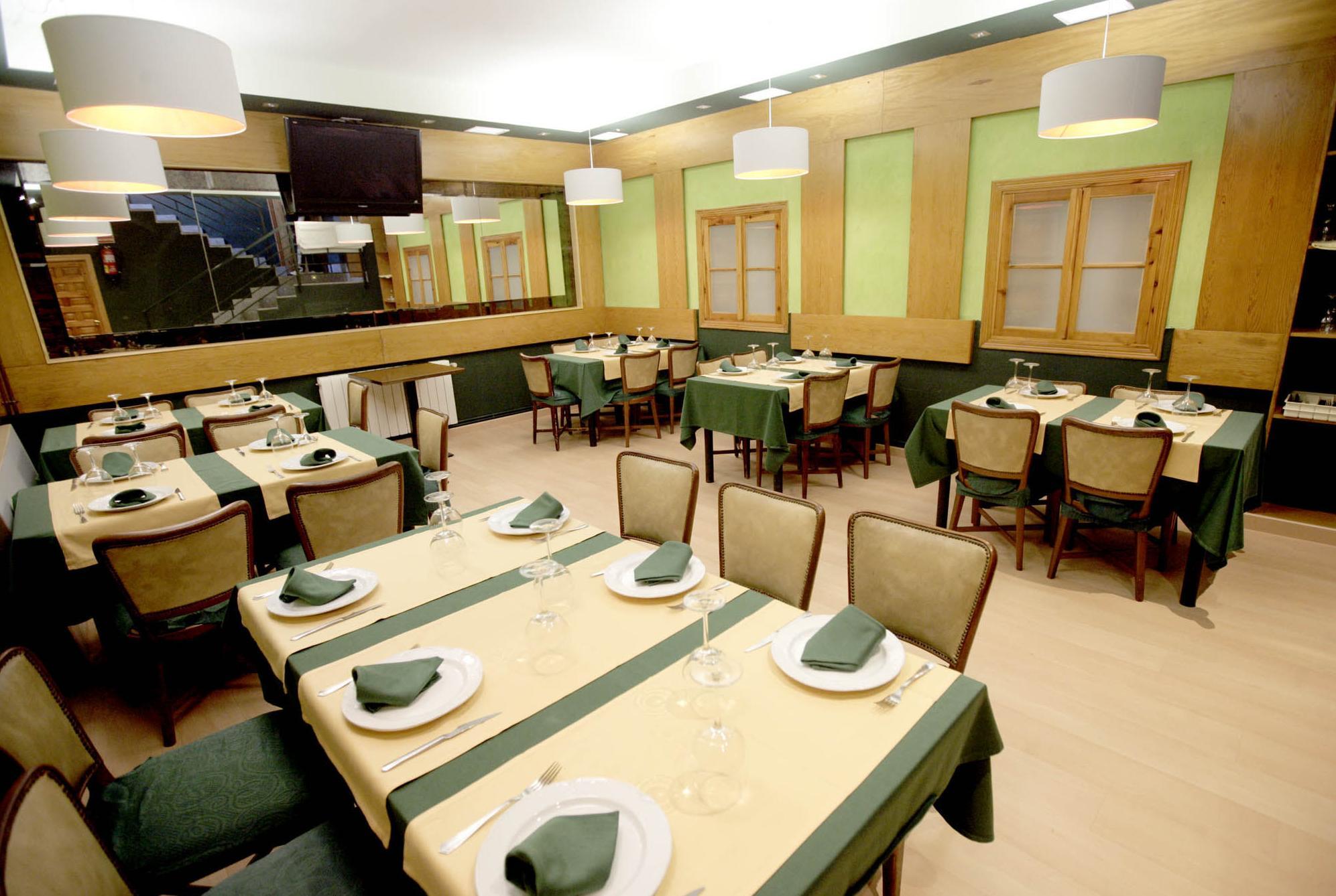 Foto 2 de Restaurantes en Ávila | Restaurante Marisquería El Emperador