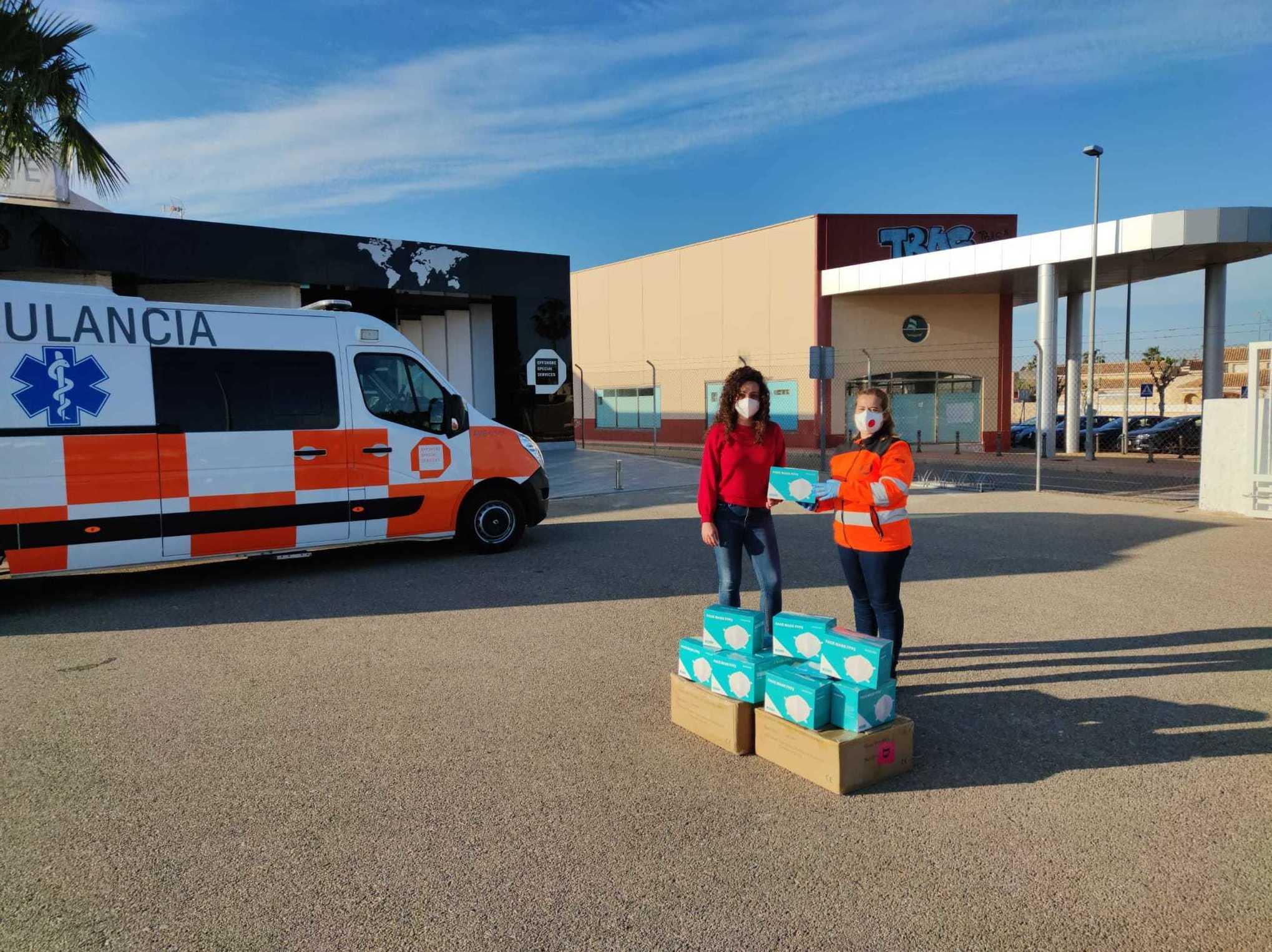 Reparto de equipos EPI de nuestra campaña de Ayuda a los Sanitarios