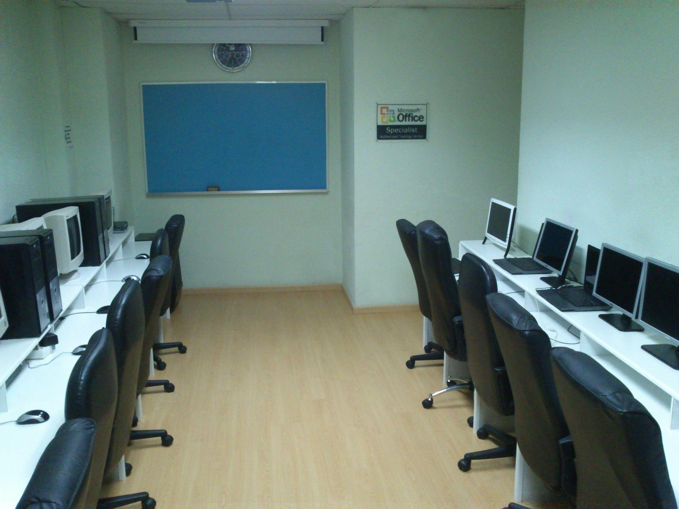 Foto 9 de Academias de idiomas en Badalona | Academia ICC