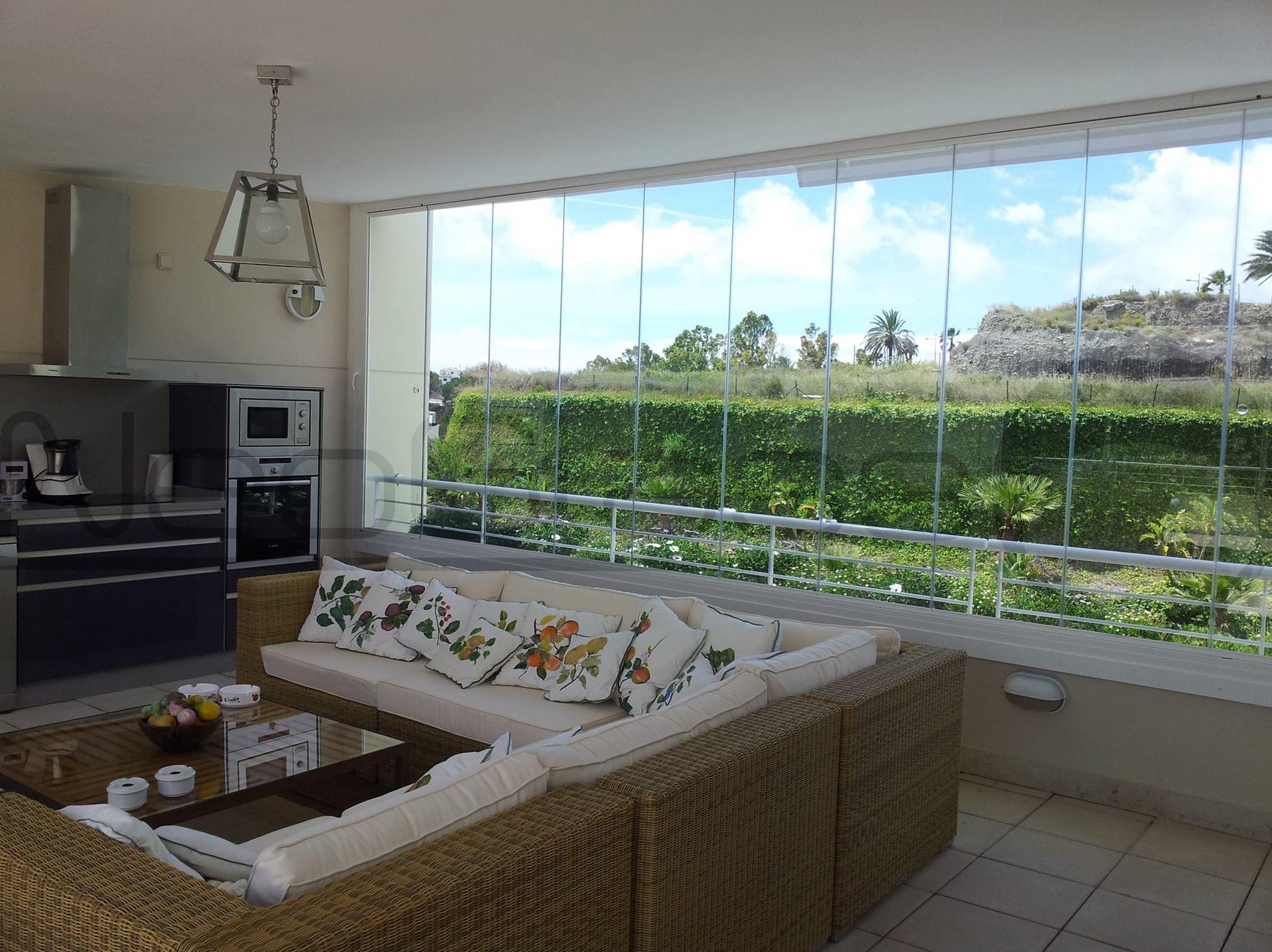 Large glass curtain windows