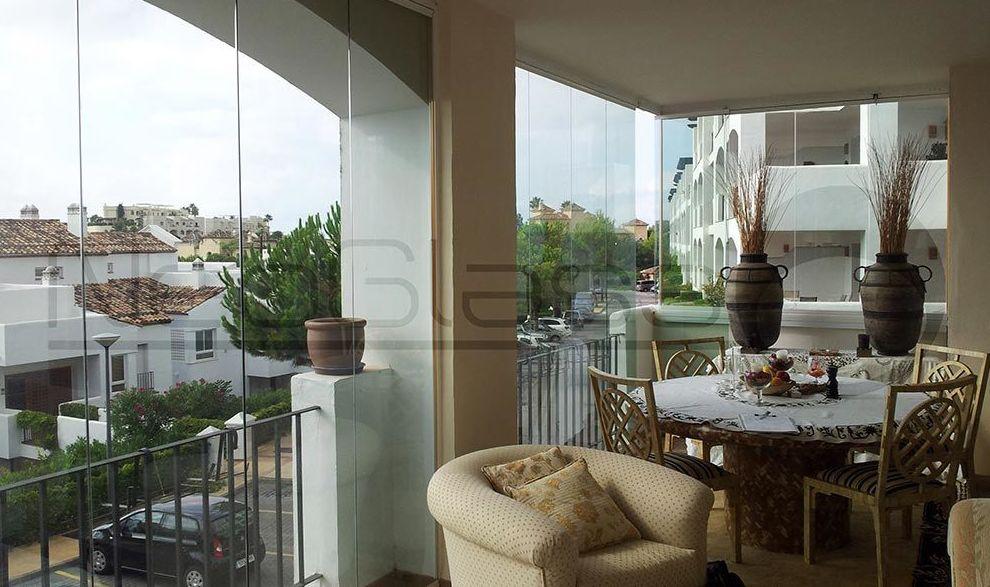 Glass curtain walls in Málaga.