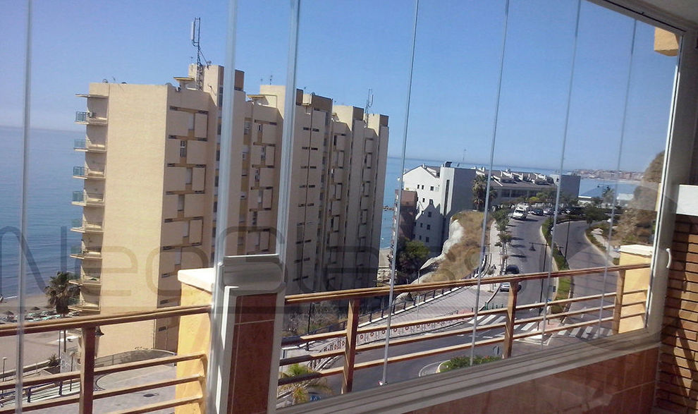 Glass curtain walls in Málaga