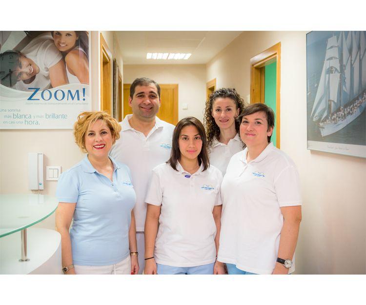 Un gran equipo de profesionales para cuidar su salud dental