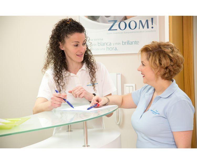 Disfruta de una sonrisa envidiable en la clínica Carrasco y García en A Coruña