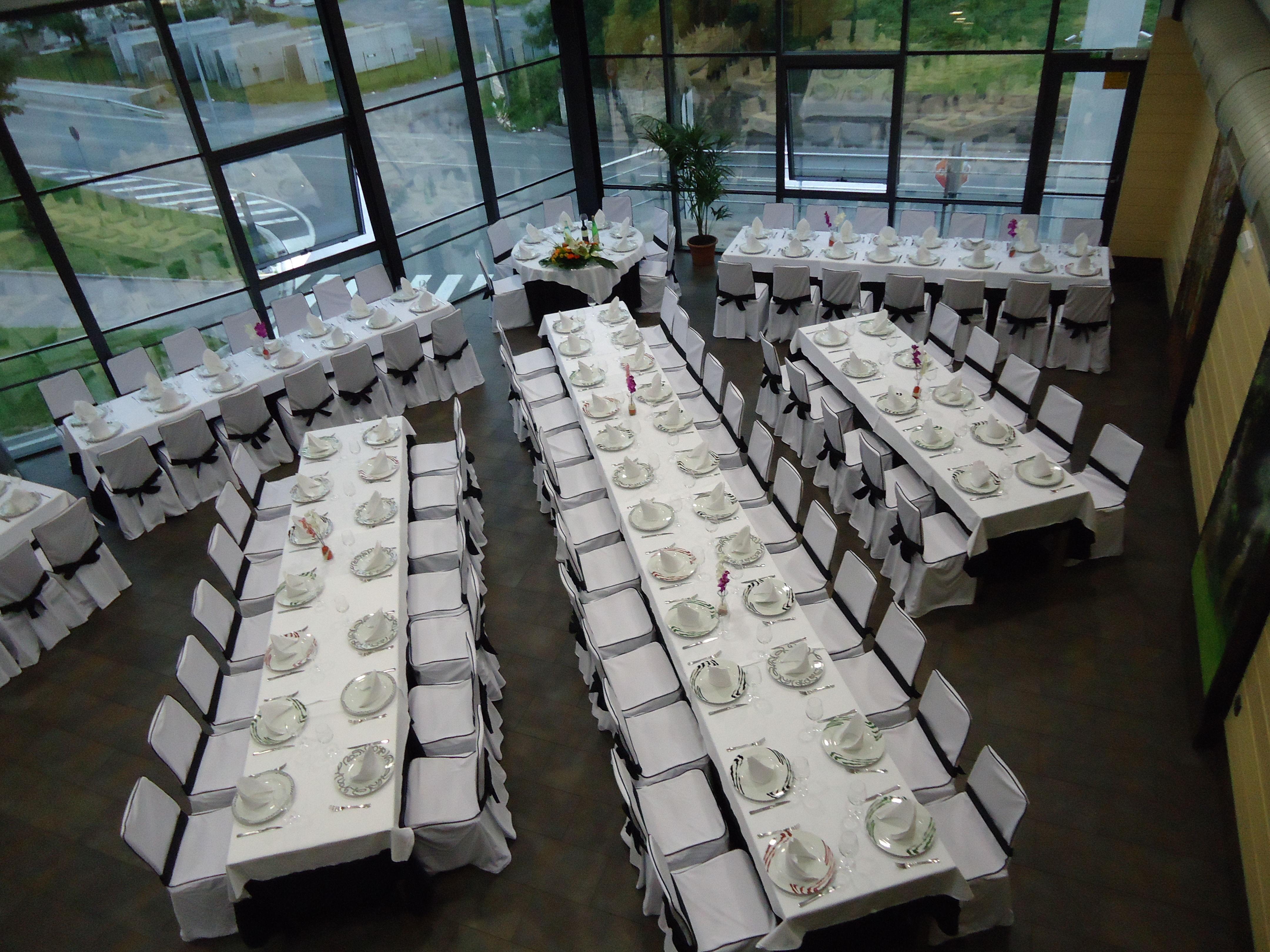 Comedor montado para ceremonias