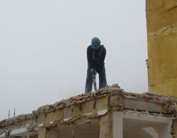 Profesionales de la demolición manual