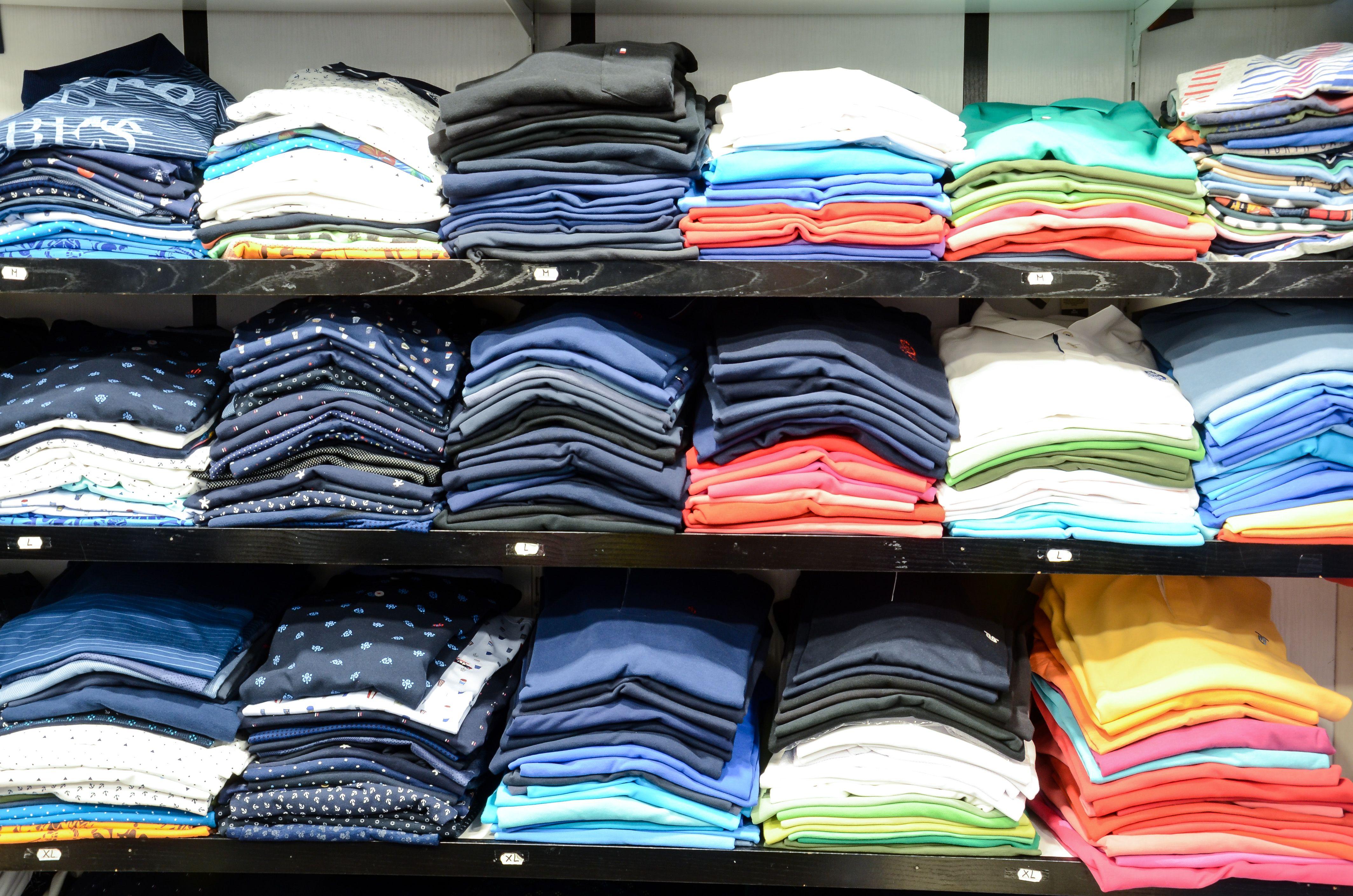 Camisas y camisetas para hombre en Totana