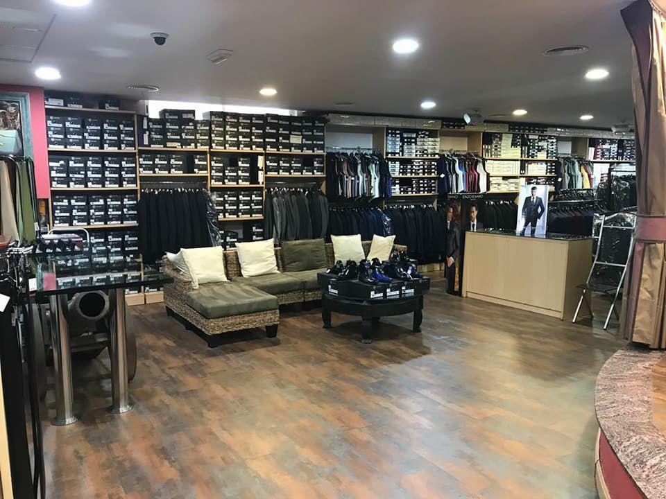 Tienda de ropa de caballero en Totana