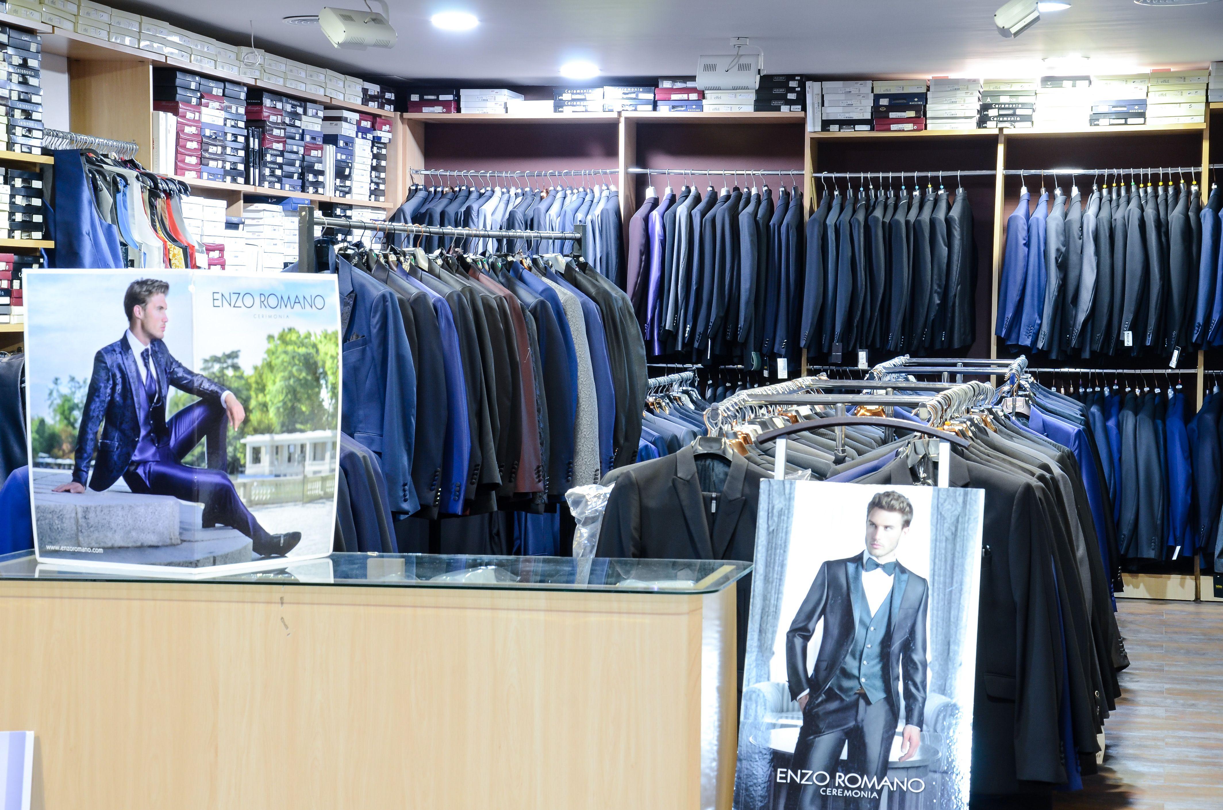 Venta de ropa para hombre en Totana
