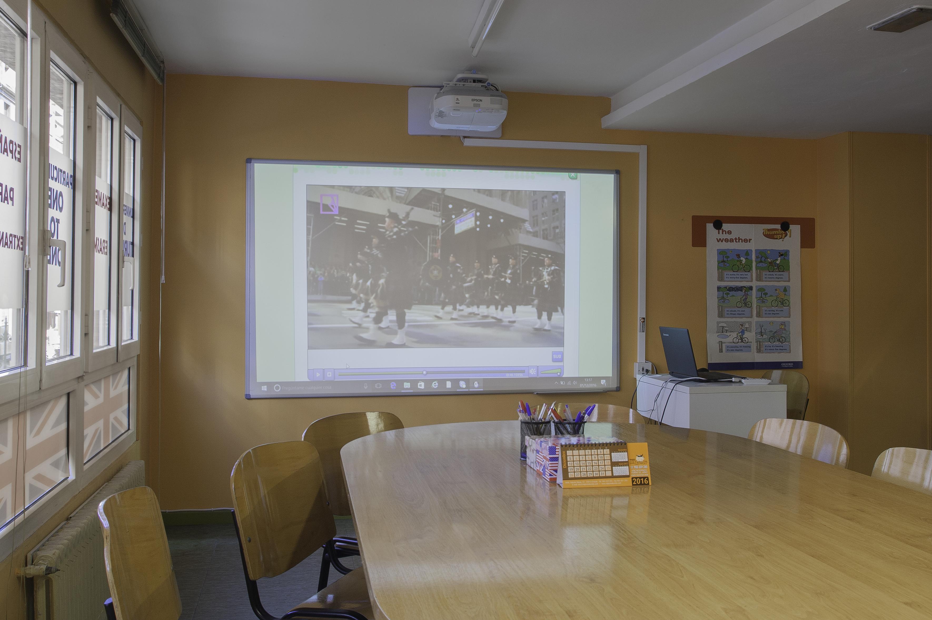 Foto 1 de Academias de idiomas en Oviedo | Hello! Centro de Inglés