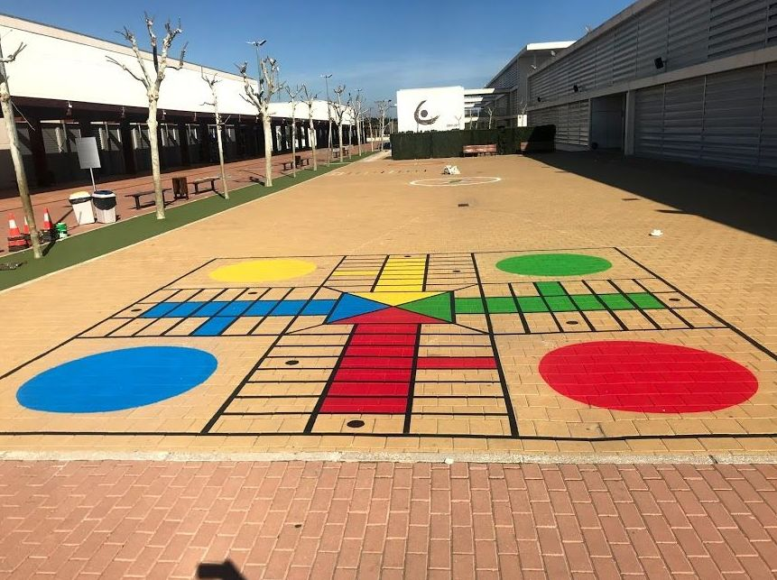 juegos pintados en el suelo, Flama Levante