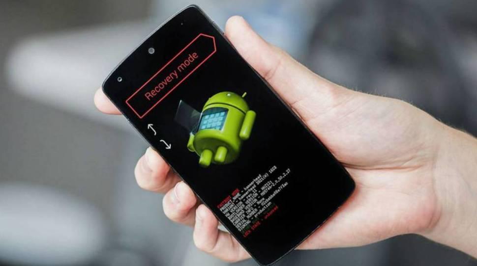 ¿Tu móvil va lento? Recupera su velocidad original