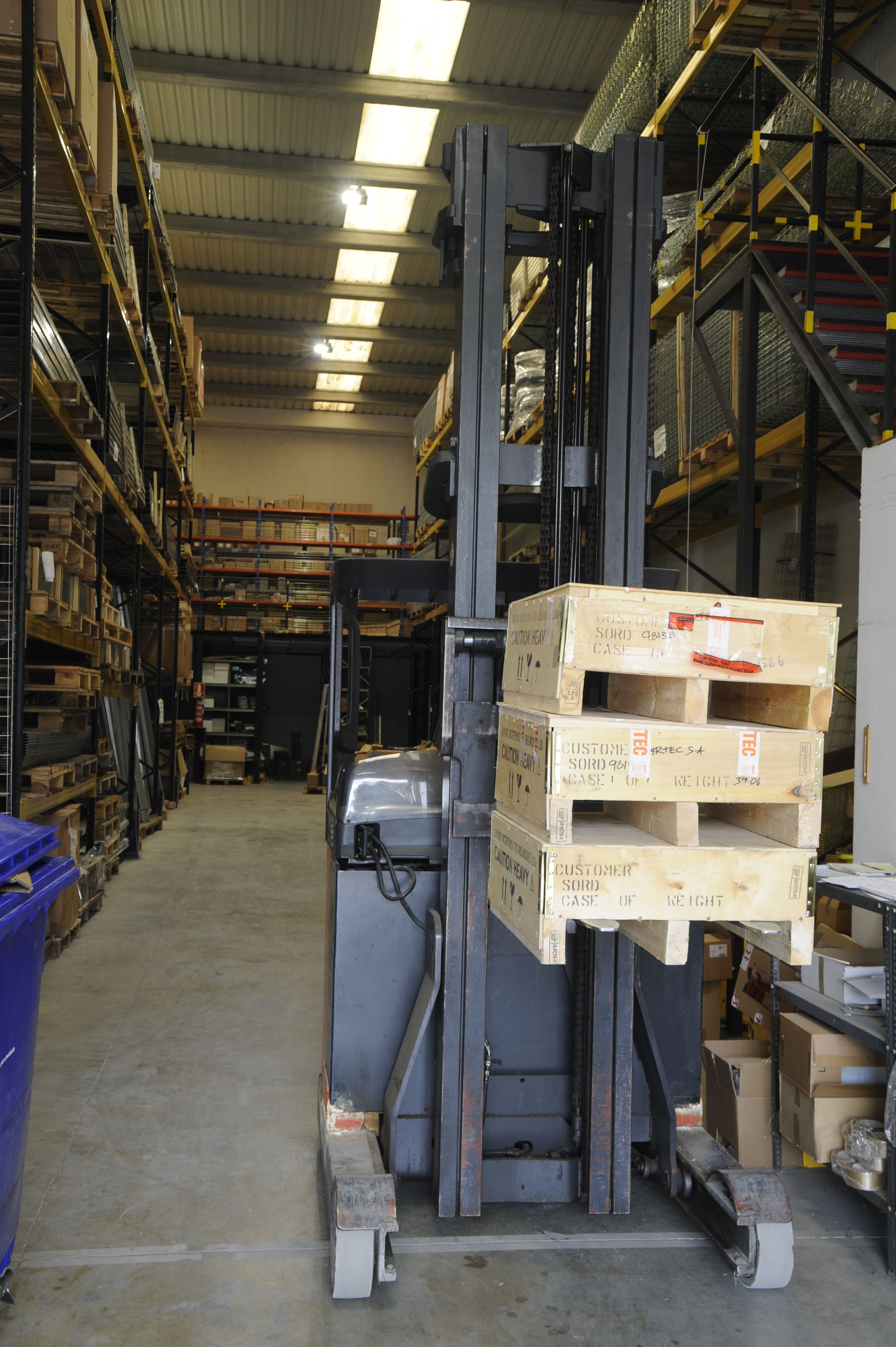 Fabricación y venta de material eléctrico industrial