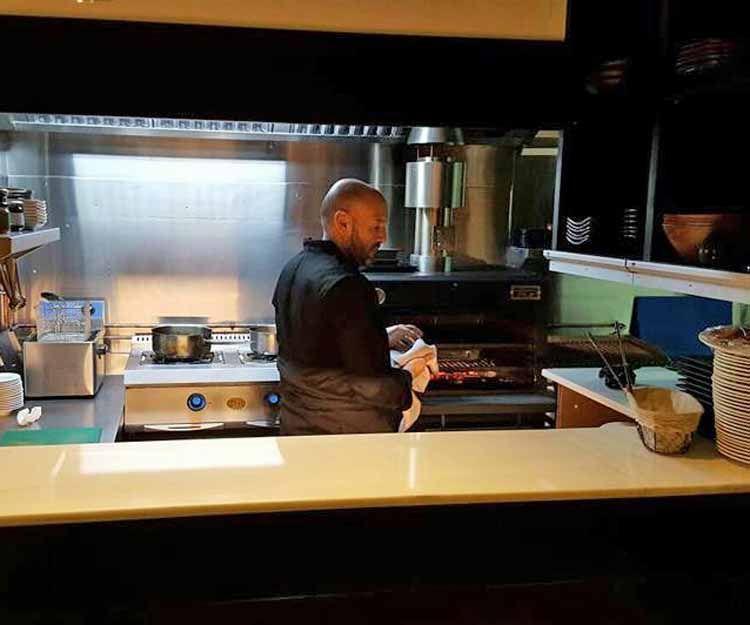 La cocina el corazón del restaurante