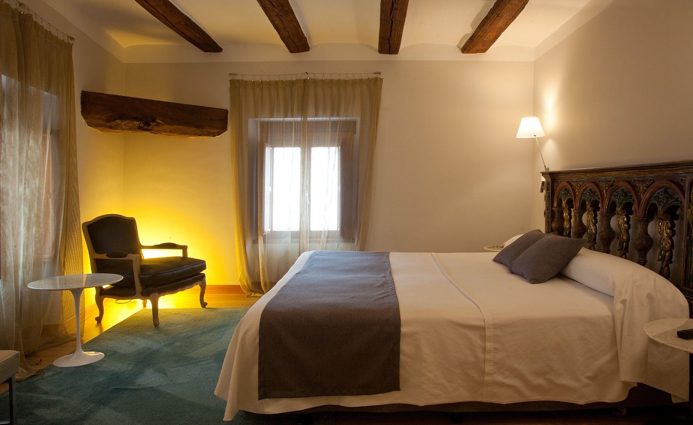 Hotel detallista con estética rústica en Estella, Navarra