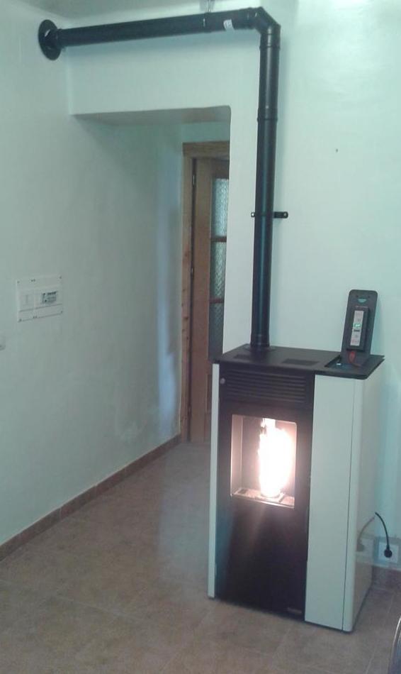 Instalación de estufas de biomasa