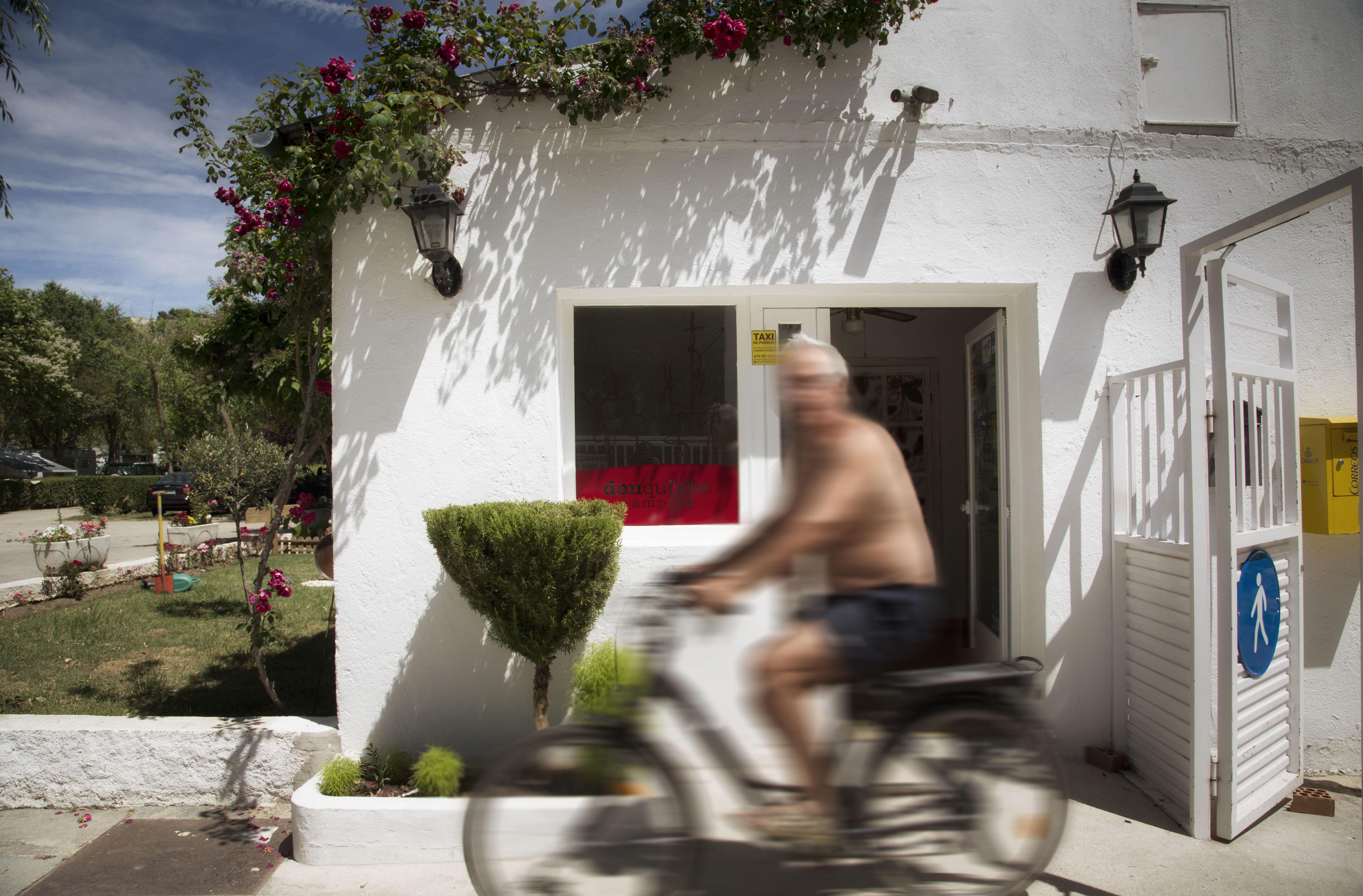 Foto 7 de Camping en Cabrerizos | Camping Don Quijote