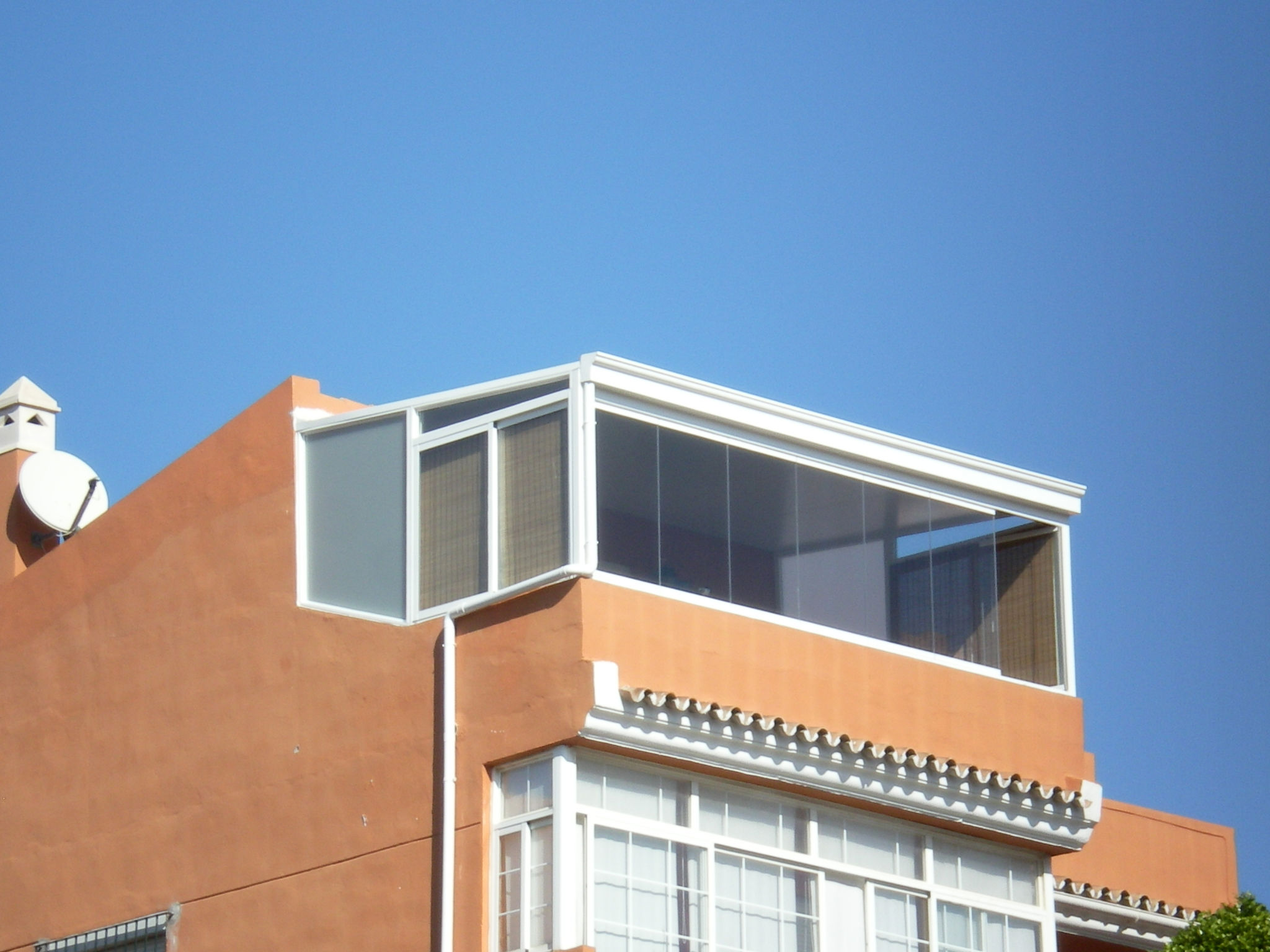 Foto 25 de Carpintería de aluminio, metálica y PVC en Málaga | Aluminios Alunoe