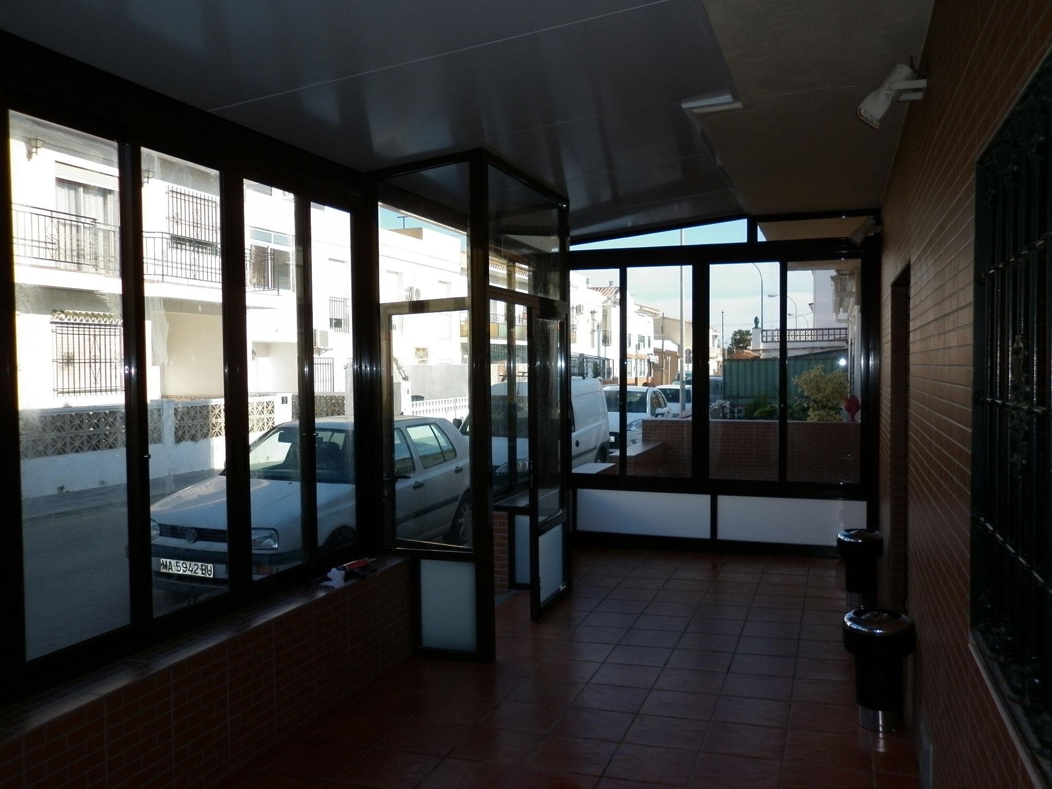 Foto 29 de Carpintería de aluminio, metálica y PVC en Málaga | Aluminios Alunoe