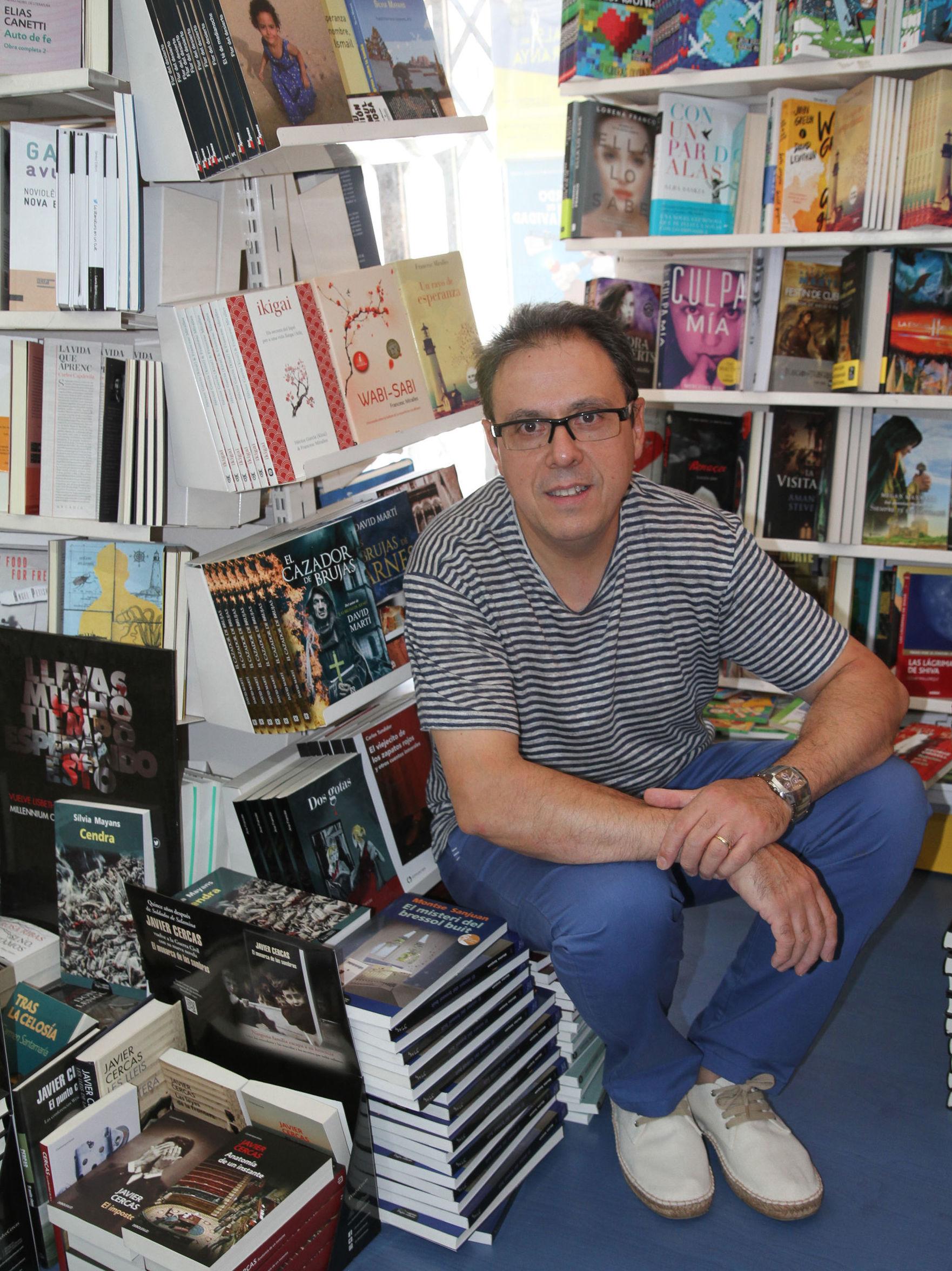 Octavio Serret. Librero