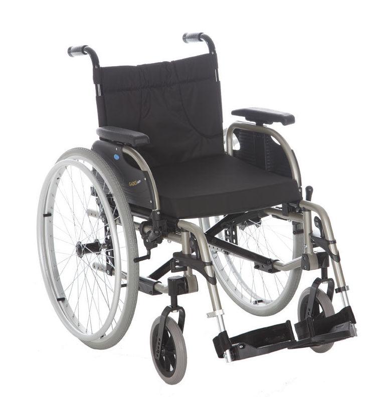 "Silla de ruedas de aluminio plegable ""Gades AKTIV"""
