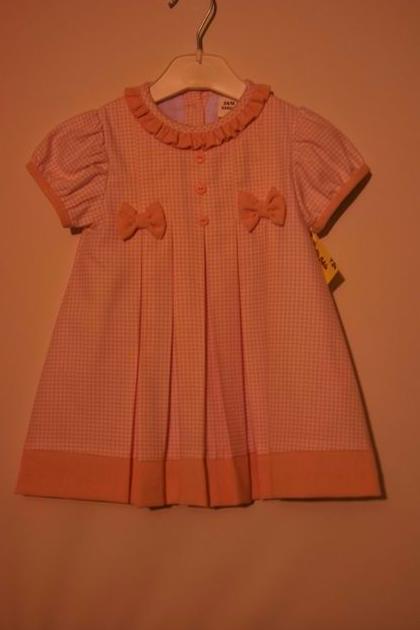 Vestido rosa con tablas: Catálogo de Ste Odile Decoración