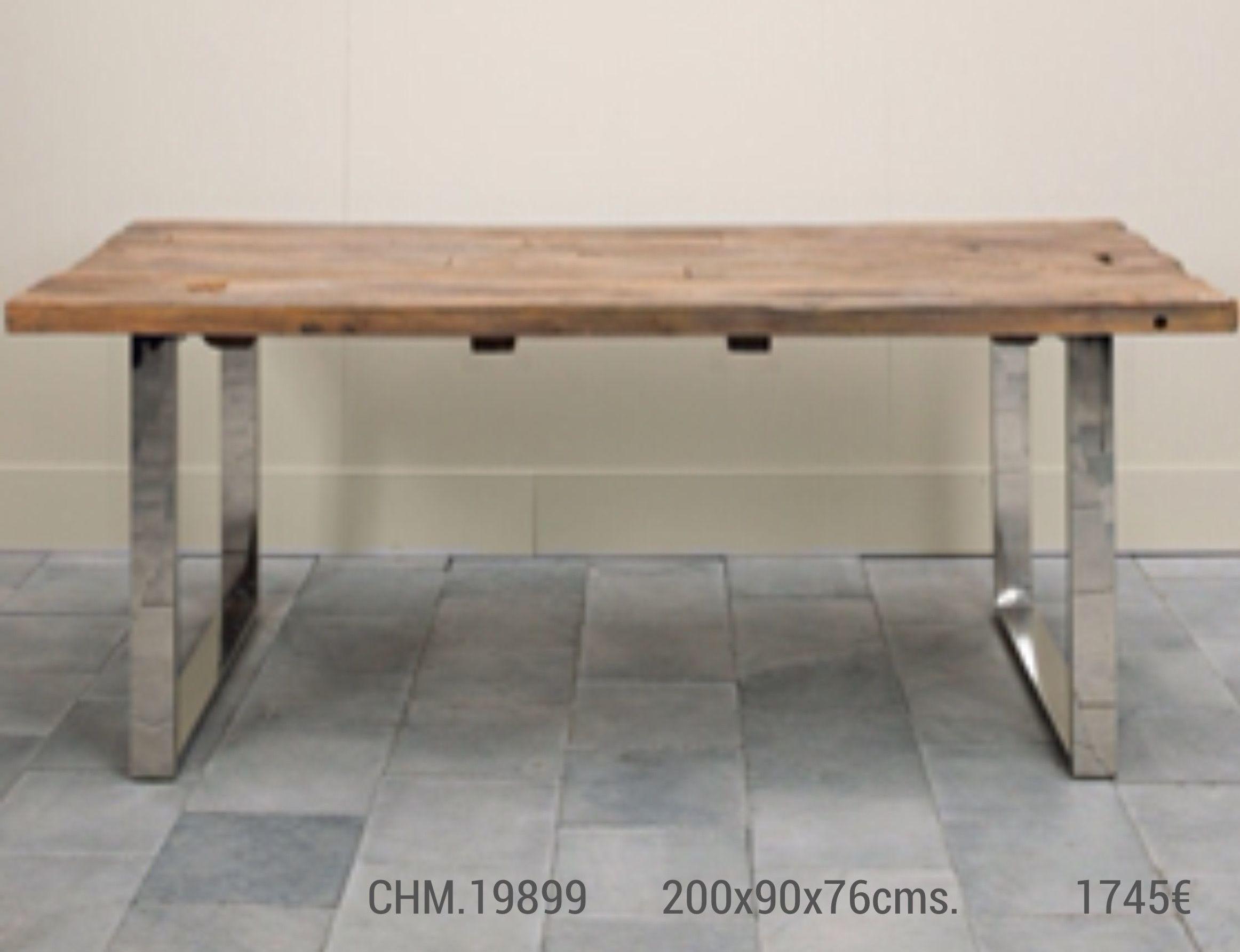 Mesa de comedor sobre de madera y patas de aluminio