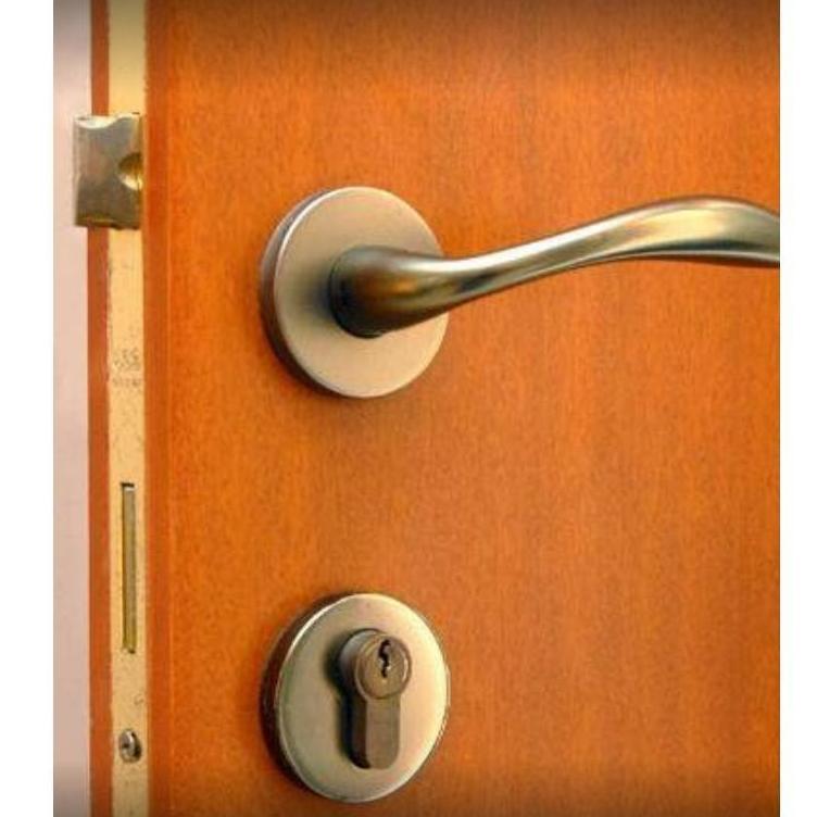 Apertura de puertas y otros: Servicios  de 24 Horas Cerrajeros Urgencias Torrevieja