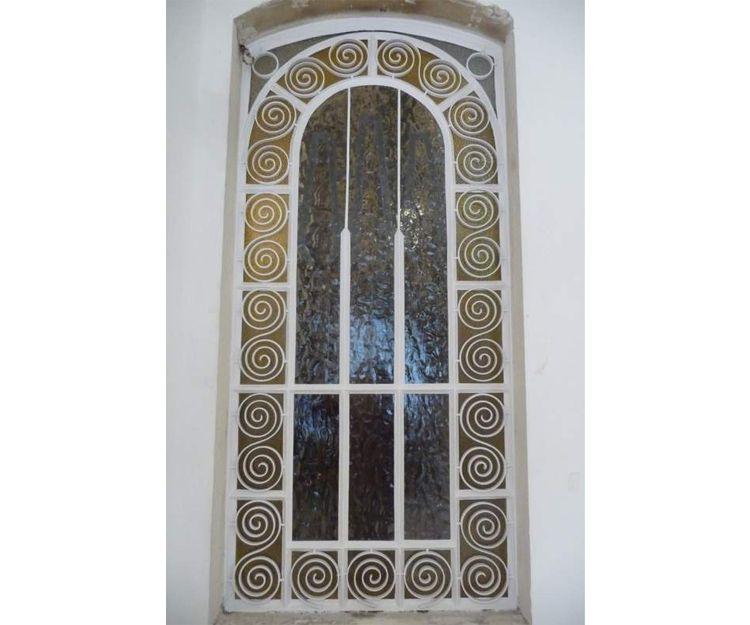 Restauración de vidriera en Oviedo