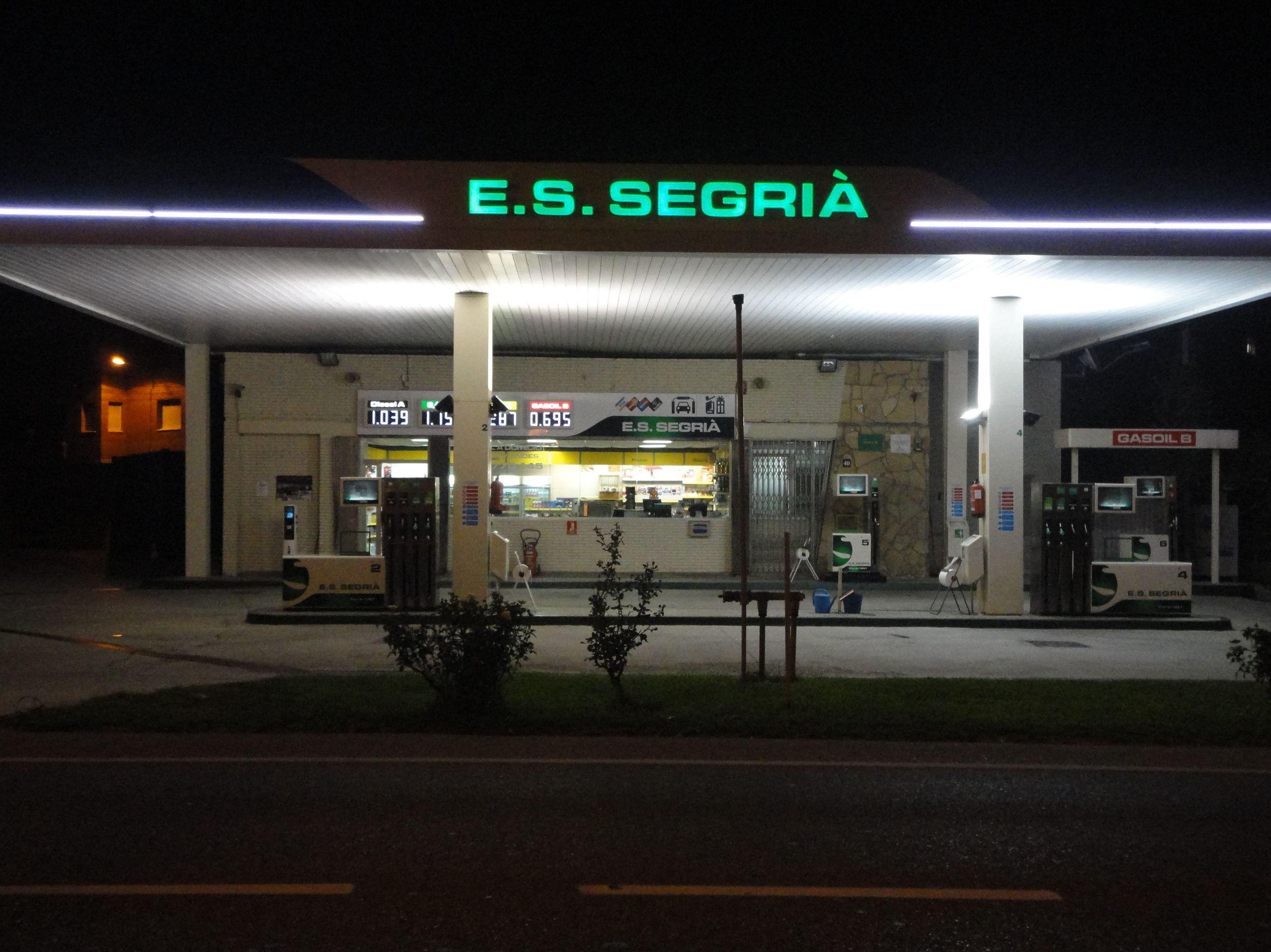Estación de Servicio: Productos y servicios de Estació de Servei Segrià