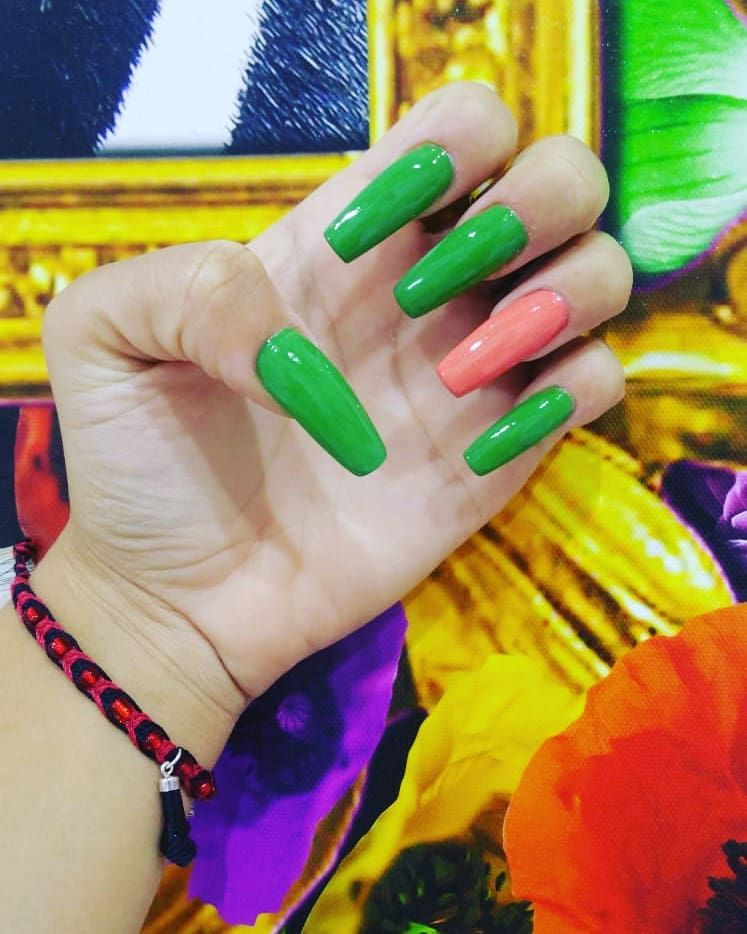 Dare to wear spectacular nails!